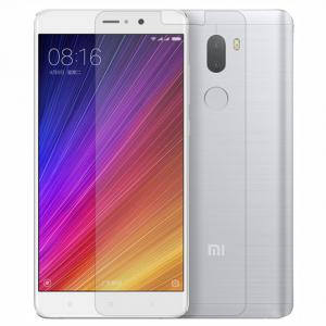 Защитное стекло на Xiaomi Mi5s Plus